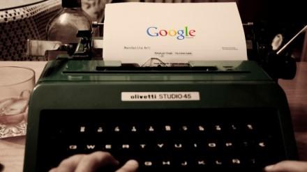 google en máquina de escribir